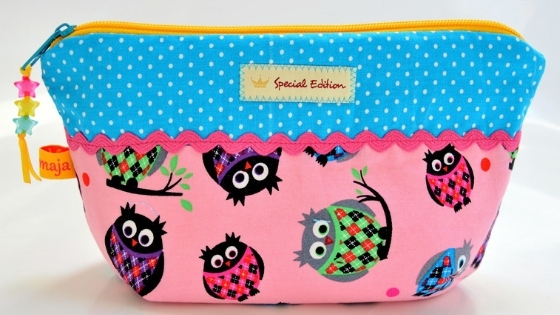Owl cosmetics bag