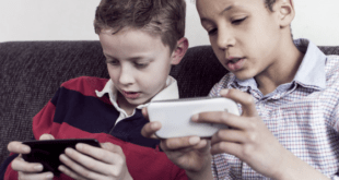 Kids playing Samsung phones