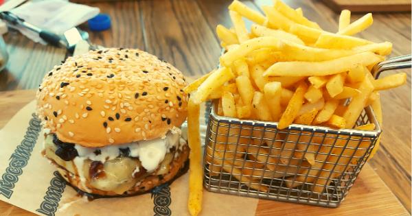 RocoMamas Rockstar Smash Burger