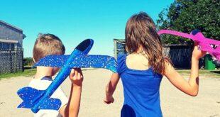 Kids flying plane toy