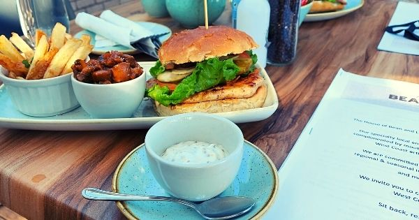 Bean and Leaf Chicken Burger with Mushroom
